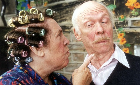 PUBLIC M0S ORIGINALS (R) 25/08/2002/ P35 Kathy Statt (Nora Batty) and Brian Murphy (Alvin) in the 'LAST OF THE SUMMER WINE (2002).