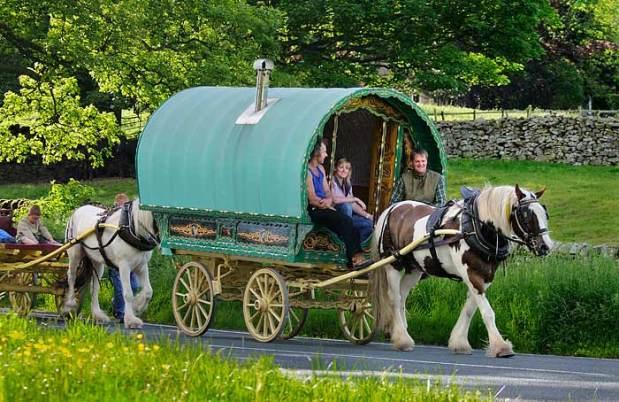 gypsy_caravan1