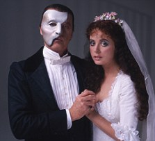 Michael Crawford and Sarah Brightman in costume for their roles as the Phantom and Christine in Andrew Lloyd Webber's musical version of 'The Phantom of the Opera', London 1986. (Photo by Terry O'Neill/Getty Images)