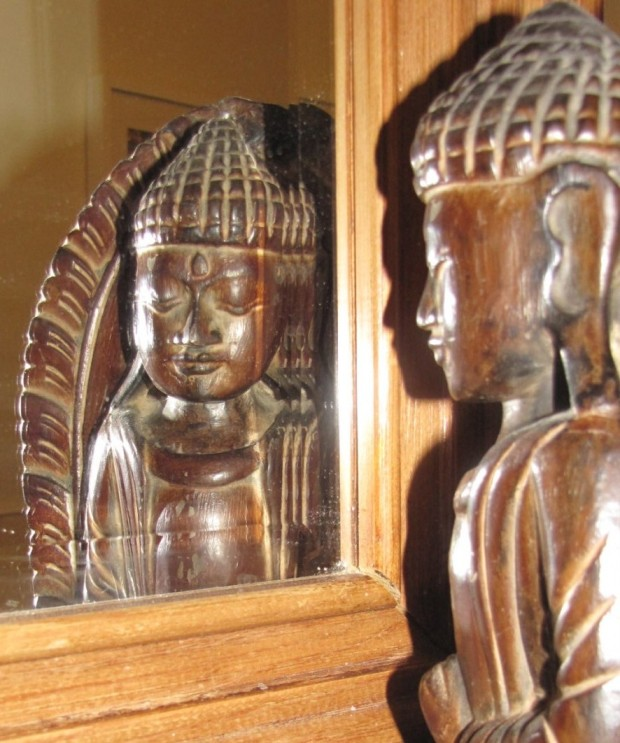 buddha-in-mirror