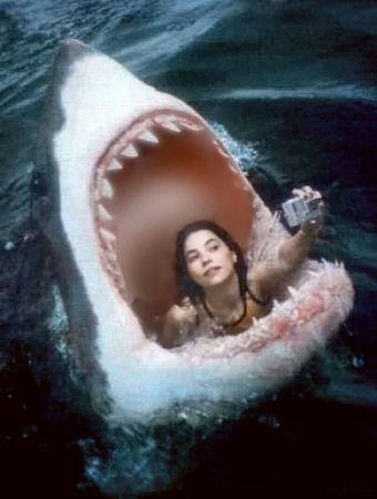 shark_eatsgirltakingselfie450o2
