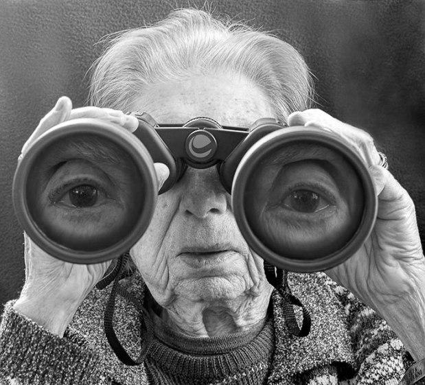 91-year-old-mother-playful-photography-elderly-women-strange-ones-tony-luciani-3