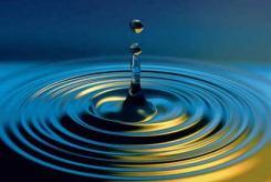 © Damir Frkovic/Masterfile Water Drop/Ripples