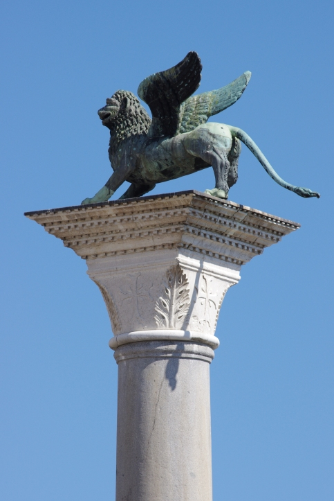 20110722_column_of_the_lion_venice_4467