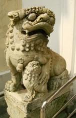 chinese-lion-statues-bangkok-thailand-08