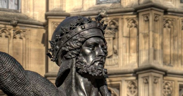 statue_of_richard_i252c_westminster_-_close-up_pe