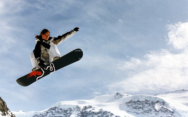 sexy-snowboard-sensual-picture-fog-strong-ans7