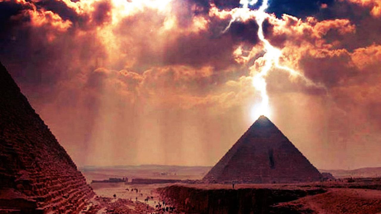 pyramid-struck-lightning