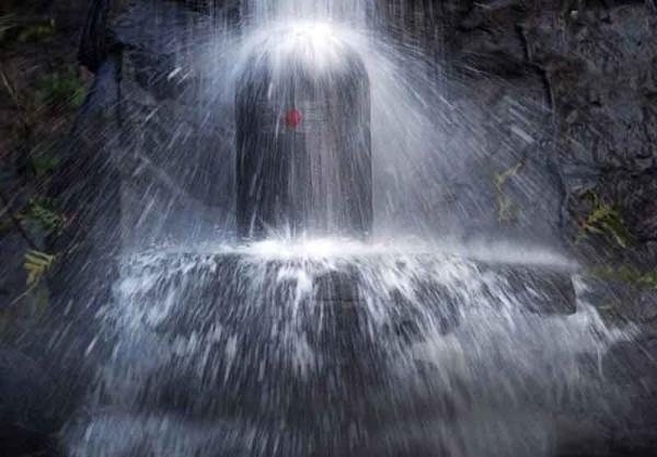 water-on-shiva